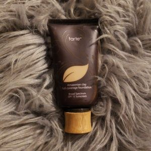 Tarte Amazonian Clay  Foundation Medium Sand